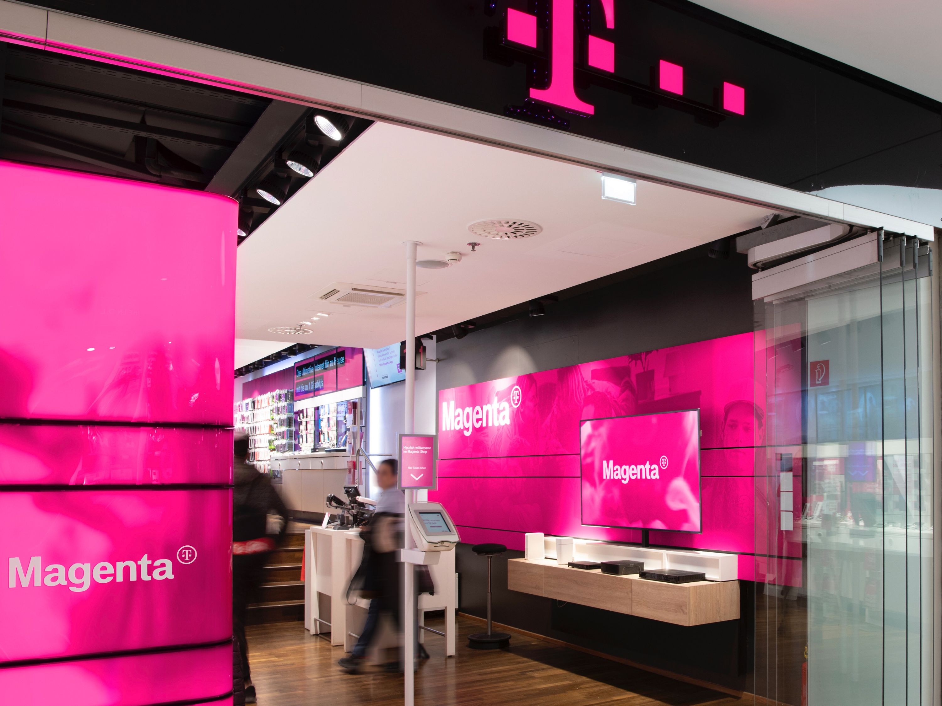 New brand presence in Austria focuses on Magenta.