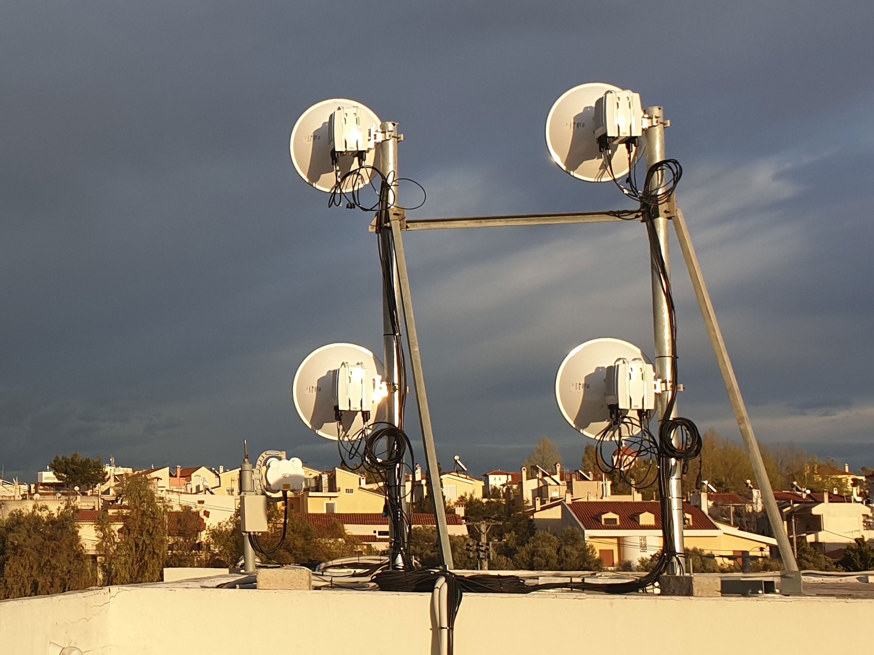 Wireless backhaul confirmed as a future-proof technology in 5G era.