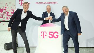 5G Boost: Michael Hagspihl, Dirk Wössner and Walter Goldenits present the largest 5G initiative for Germany.